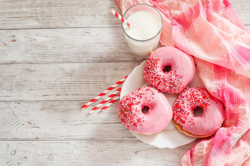 Donuts make everyone happy and bring people together around a simple love for puffy sugary goodness. The donut lover in you will adore these gifts! Gifts for Kids | Funny Gifts | Doughnut Fan Gifts #donutfangifts #holidaygiftideas