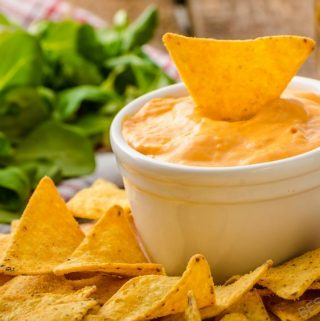 The next time you crack open a beer, use it for one of these awesome beer dip recipes! Beer dip recipes will take your typical cold one to the next level. Best Dip Recipes | Easy Dip Recipes | Party Dip Recipes #party #recipes #food