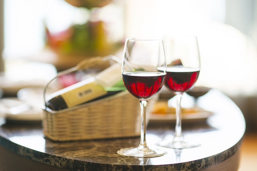 Tips For Cooking With Wine Two Glasses of Wine on a Counter