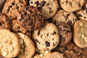 Looking for the best chocolate chip cookie recipes can be difficult, but it's not impossible. Luckily you find the best one by trying them all! #CookieRecipes #desserts #Recipes Dessert Recipes | Easy Recipes | Best Cookie Recipes | Sweet Treats