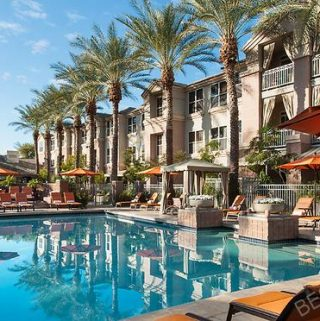 When visiting Arizona staying somewhere with a pool is a must! These are some of the best hotels in Phoenix with pools that are perfect for families, too. Best Hotels in Arizona | Phoenix Travel Tips | Things to do in Phoenix | Where to Stay in Arizona | Where to Stay in Phoenix #phoenix #hotels #travel #luxury