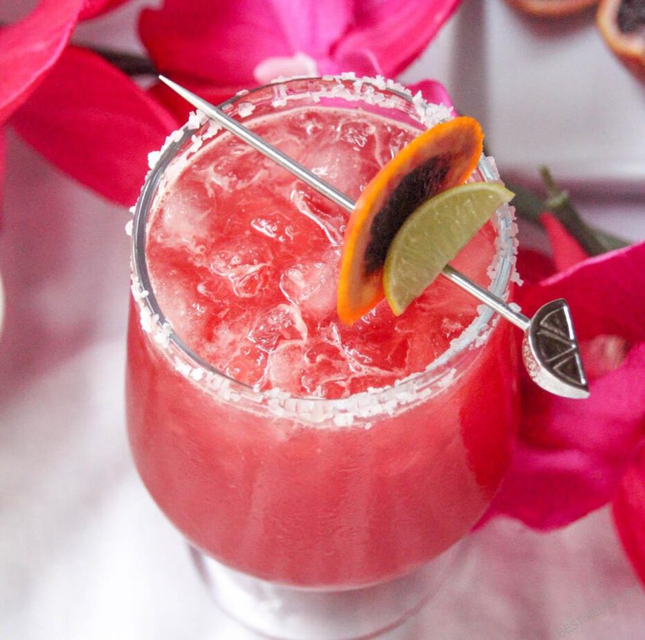 Enjoy these tasty tequila cocktails that aren't margaritas on Taco Tuesday or during happy hour. They give the margarita some competition and will impress friends, too! Easy Cocktail Recipes   Tequila Recipes   Happy Hour Recipes   Drink Recipes with Alcohol   Best Cocktails #tequila #cocktails #recipes #happyhour