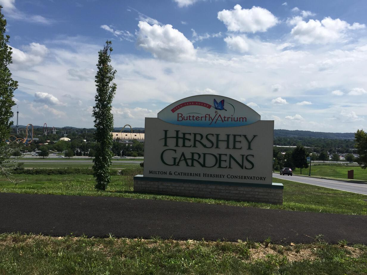 Pokemon Go is showing no signs of slowing down! Now you can find Pokestops everywhere, these are the best Pokestops in Hershey, Pa! #pokemon #gaming #pokemongo | Pokestops in Hershey | Where to PLay Pokemon Go | How to Play Pokemon Go