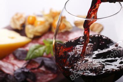 "Using a red wine reduction in your recipe is super easy and provides great results. Not to mention, people will be impressed with your cooking ""skills."" #redwine #cooking #recipes 