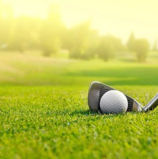 California is home to many amazing golf courses in stunning locations. Make the most of your game at the best golf courses in Orange County! #golf #range #golfcourse | Best Golf Courses in Orange County | Where to Golf in Orange County | Best Golf Ranges in Orange County