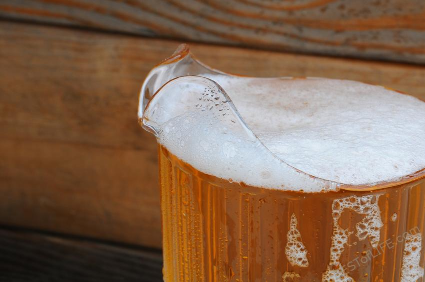 You can make the most of your Oktoberfest celebrations if you know all of the fun facts behind this favorite fall tradition. #oktoberfest #beerfest #craftbeer #beer #beertips #oktoberfesttips #travel #happyhour