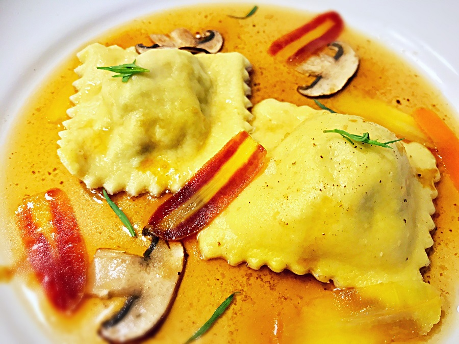 Quick Dinner Recipes Ravioli on a Plate with Sauce