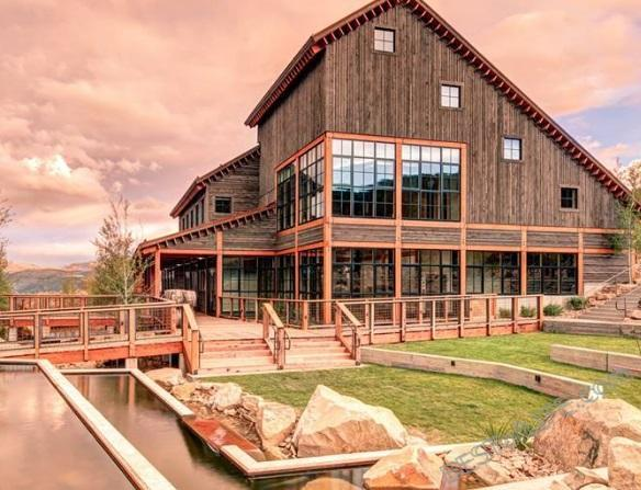Park City is known for a lot things, soon it will be known to you, as a place to get some great eats! These are the best restaurants in Park City, Utah.