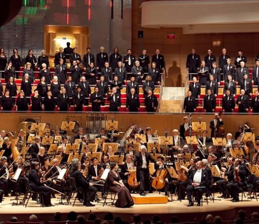 Join others as they enjoy the grand opening of the Pacific Symphony's 39th Season at the Renée and Henry Segerstrom Concert Hall.
