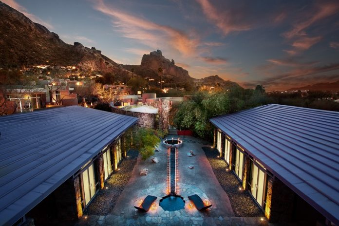 Use a GoPro Hero to record your Camelback Mountain hike thanks to the luxurious Sanctuary on Camelback Mountain Resort & Spa. Camelback Mountain Arizona | Things to do in Arizona | Arizona Travel Deals | Travel Deals | Travel Destinations | Best Places to Travel in Arizona