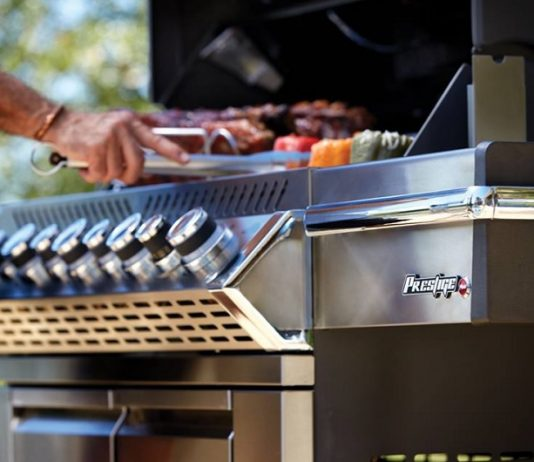 Clear up space and give your family and friends more room to enjoy the experience of cooking by having Thanksgiving on the grill.