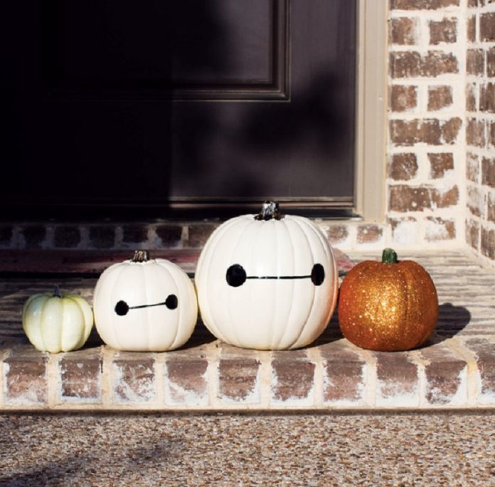 Show your personality on Halloween with pumpkin carving ideas for all ages! Easy Pumpkin Carving Ideas | Disney Pumpkin Carving Ideas | Pumpkin Carving Ideas for Couples | Pumpkin Carving Ideas for Kids Crazy Creative Pumpkin Carving Ideas