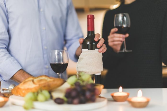 Walk and enjoy Napa wines at one of their many wine tasting rooms in Downtown Napa. Napa Valley Vacation | Downtown Napa | Best Napa Wines | Where to Stay in Downtown Napa | Wine Tastings in Napa | Best Wines in Napa