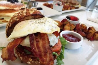 Studios like Warner Bros and Universal can be found in Burbank but some of the best casual breakfast restaurants can still be found in Hollywood. Best Breakfast in Hollywood | Best Casual Breakfasts in Hollywood | Best Breakfast Restaurants in Hollywood | Best Breakfast Restaurants in Hollywood