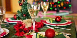 Holiday wine party ideas can take your party to the next level when you pair them with wines that you enjoy, like the Wines of Provence. Holiday Party Ideas | Holiday Wine Party Ideas | Best Holiday Party Themes | Best Holiday Parties | Best Holiday Wines | Best Wines for the Holidays