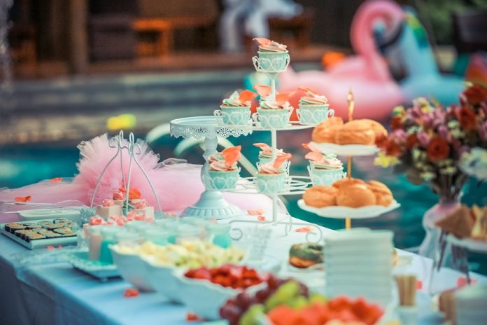Parents can throw the best unicorn birthday party by using some very simple, very easy birthday party ideas with a magical twist. Unicorn Birthday Party Ideas | Best Unicorn party Ideas | Easy Unicorn Birthday Party Ideas | DIY Unicorn Birthday Party Ideas | How to Throw a Unicorn Birthday Party