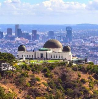 Finding free things to do in LA as a couple is not only a great way to spend a day in the city, they will also help you save money for bigger and more expensive things later. Free Things to do in LA | Best Free Things to do in LA | Free Things to do in LA for Couples | Free Date Night Ideas in LA | Free Things to do in LA for First Date