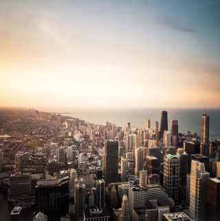 Visit Chicago with the whole family and peek into the history of one of the major cities of the United States with free things to do in Chicago for kids. #thingstodo #kids #parenting #chicago #chicagoactivities #freethingstodo