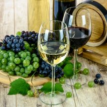 Finding the right wine club to join is a personal decision, but there are many Ponte Wine Club benefits that make wine lovers feel appreciated as they enjoy their wine. Wine Clubs | Best Wine Clubs | Wine Hobbies | Temecula Wine Country #Wine #Winedown