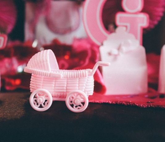 There are many ways to keep the costs down when expecting a child and one way is to use any of these DIY gender reveal ideas. #babyshower #DIY #party | Best Gender Reveal Ideas | DIY Gender Reveal Ideas | Gender Reveal Party Ideas