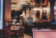 Dive bars in San Francisco are like many other dive bars; they offer a unique experience with amazing music for a fun twist on a night out. Casual Bars in San Francisco |Things to do in San Francisco | Things to do in California | Cheap Drinks in San Francisco #divebars #travel #sanfrancisco