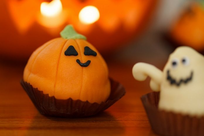Getting spooky in the kitchen is the best aspect of making Halloween party food ideas for kids come to life. Halloween Recipes for Kids   Spooky Treats for Halloween   Healthy Halloween Treats for Kids   Halloween Party Ideas for Kids #halloween #recipes #party #parenting