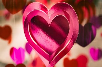 Get crafty and DIY yourself some amazing Valentine's Day party decorations for kids so they can celebrate the holiday in their own ways. DIY Crafts | Valentine's Day Decor | Valentine's Day Crafts for Kids | DIY Crafts for Kids | Holiday DIY Crafts