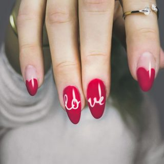 Using sexy Valentine's Day nail ideas you can elevate your entire look and all it takes is some simple paint and a great date night planned. Valentine's Day Ideas | Valentine's Day Fashion | Date Night Fashion | Nail Art Ideas | Nail Art Tutorials | Nail Art Designs