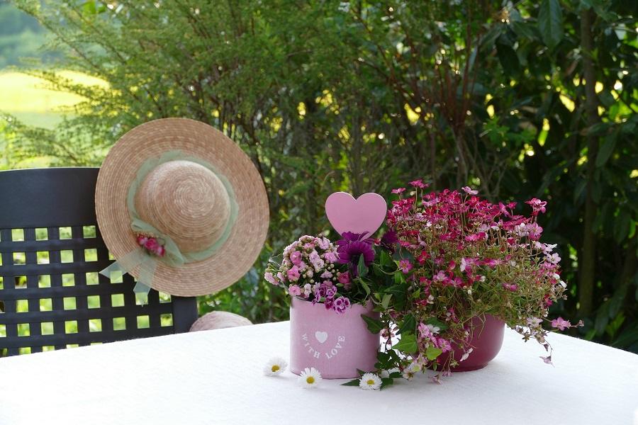 Free Mother's Day Printables a Table Setting for Mother's Day Brunch