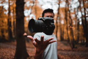 Why would you want to be like everyone else when you can utilize photography poses that will take your selfie game to the next level? Portrait Photography Poses | Outdoor Portrait Photography Poses | Poses for Men | Poses for Women | Poses for Girls | Poses for Boys | Poses for Couples | Beach Photography Poses