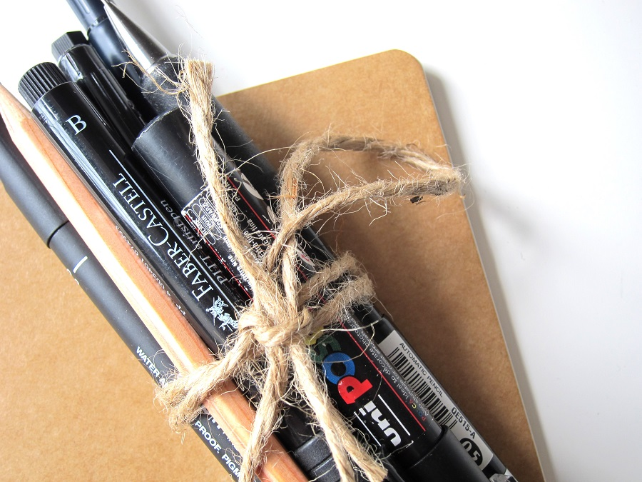 Bullet journal pens aren't like your average ball-point pen. These pens are designed to get more creative and make your bullet journal a piece of art. Best Pens for Bullet Journals | Bullet Journal Pens That Don't Ghost | What Pens to Use for Bullet Journals | Bullet Journal Supplies for Beginners | Writing Pens for Bullet Journals