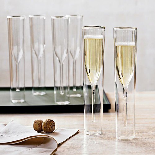 Your new inside out champagne glass flute set will help you enjoy champagne while keeping your champagne the perfect temperature. Unique Champagne Flutes | Crystal Champagne Flutes | Party Planning | Gifts for Champagne Lovers | New Years Eve Party Tips | Party Supplies for Adults #champagne #partytips via @thebestoflife