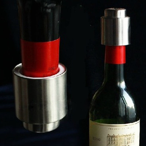 A vacuum sealed wine cap is the best way to store your unfinished wine bottles, keeping your wine fresh for your next glass. Leak-Proof Wine Stopper | Vacuum Wine Stopper | Wine Gadgets | Wine Down | Wine Lovers | How to Keep Wine Fresh #wine #winestopper