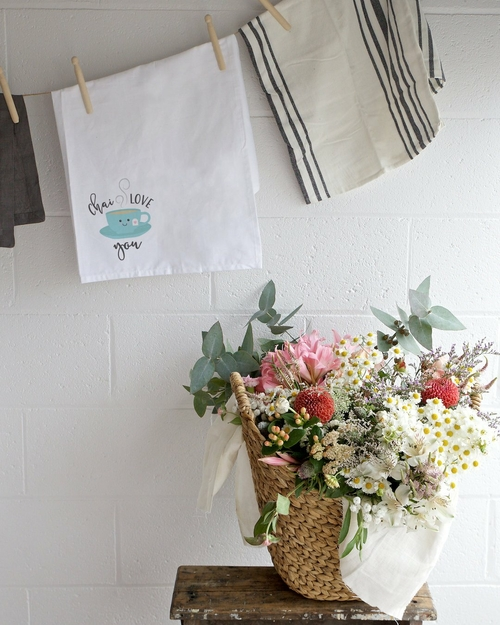 The best kitchen tea towel is one that makes you laugh and adds a little levity to your kitchen without overpowering your kitchen design ideas. Kitchen Towels | Flour Sack Towels | Decorative Kitchen Towels | Linen Tea Towels | Kitchen Linen | Decorative Linen #decor #teatowel