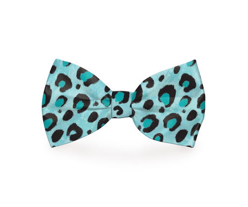 A blue cheetah print dog bow tie is a great way to add style to your dog's collar while also being a bit flashy in the best way possible. Cheetah Print Bow Tie for Dogs | Large Dog Clothes | Girl Dog Clothes | Dog Clothes Patterns | Dog Clothes Cheap | Fun Dog Fashion #pets #accessories