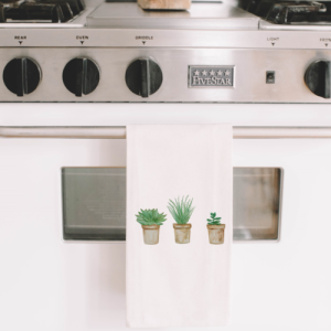 A watercolor tea towel is a great way to keep your hands dry and your kitchen looking great, especially with natural succulent designs on them. Succulent Bath Towels | Bath Decor | Home Decor Ideas | Kitchen Decor | Hostess Gift Ideas #Kitchendecor #homedecor