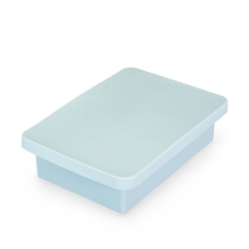 Closed Ice Cube Tray with Lid