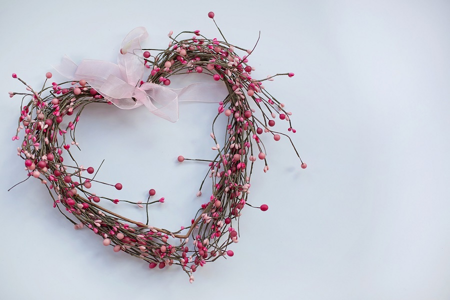 DIY Valentine's Day Decorations Heart Made from Twigs