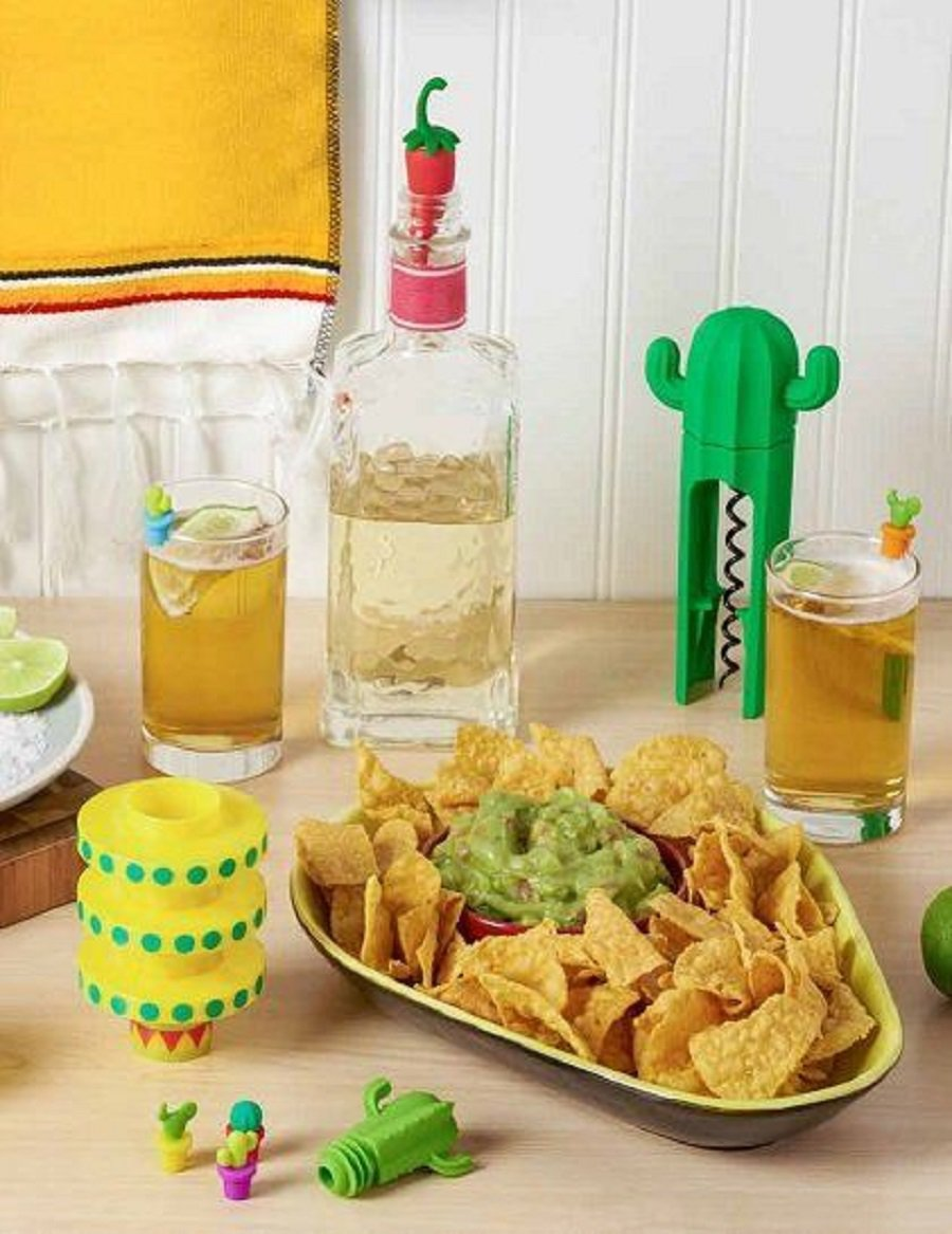 Hosting parties is easier when you have an easy to care for chip and dip tray to serve your delicious appetizers. Party Planning Tips | Easy Dip Recipes | Serving Ideas for Parties | Party Hosting Ideas | Party Food | Party Food Ideas #party #partyplanning via @thebestoflife